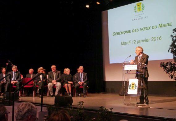 Le premier adjoint Michel Courtin a présenté les voeux du Conseil municipal au maire de la commune.